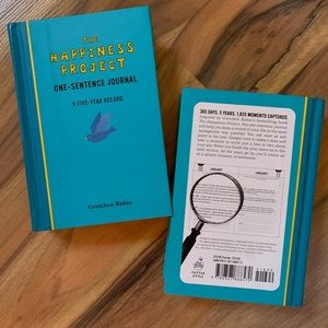 2 NWT the Happiness Project Journals